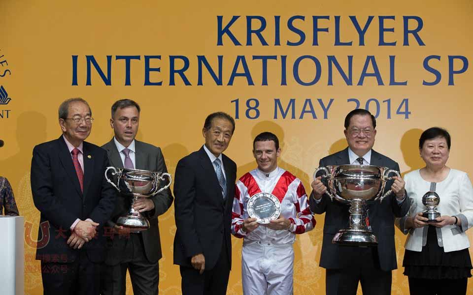 """香港赛马""""天久""""蝉联新加坡国际赛马节KrisFlyer国际短途锦标冠军"""