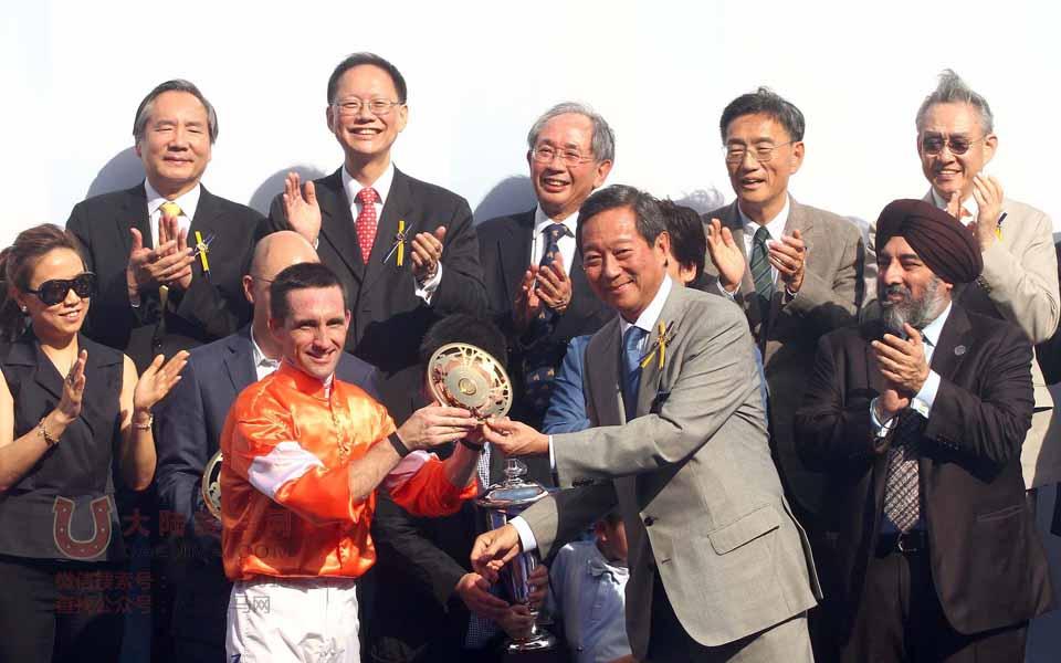 香港赛马渣打冠军暨遮打杯精彩现场图片